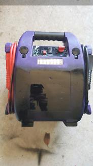 Heavy duty rechargeable battery jumper pack