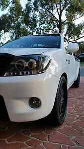 V6 toyota hilux Penrith Penrith Area Preview