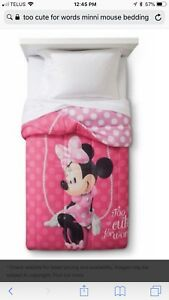 TWIn FOUR PIECE MINNIE MOUSE BEDDING