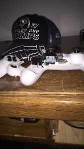 LOOKING FOR A PS4 CONTROLLER