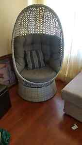 Chair egg shaped comfy good condition Valley View Salisbury Area Preview