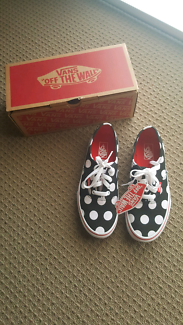 Brand new VANS polka dot fiery red shoes - kids size 4