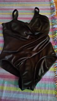 Swimsuit / togs 1 piece Sz14 miracle suit