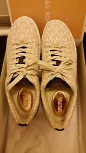 Michael Kors Lace up shoe