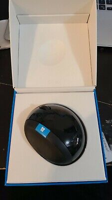 Microsoft 5LV-00001 Sculpt Ergonomic Mouse for Business 1560 safe and comfy