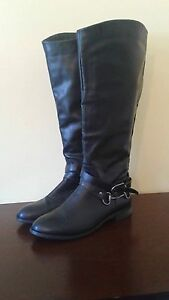 2 pairs of women's leather boots