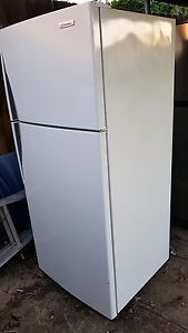 FREE  DELIVERY EXCELLENT 420L FRIDGE Kingsbury Darebin Area Preview