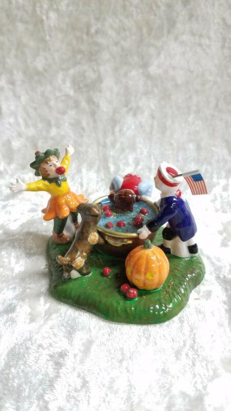 Dept.56 Snow Village Halloween - Bobbing for Apples #56.55185 - EUC