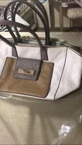 GUESS BAG ONLY 40$