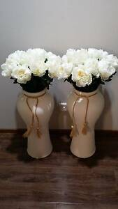 Ceramic Vase or Glass Vase for Centrepiece or Wedding Prop Green Valley Liverpool Area Preview