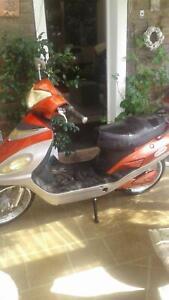 Easyride moped   8 brand new 12v batteries