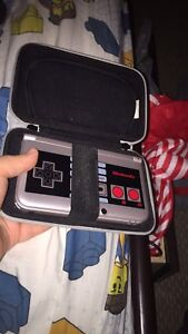 NES eddition 3ds xl with case and games