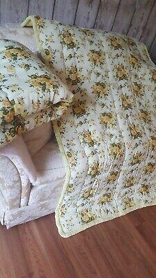 Pretty vintage retro single floral cottagey eiderdown 2 available pristine cond
