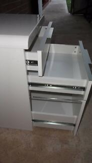 Glossy filling cabinet