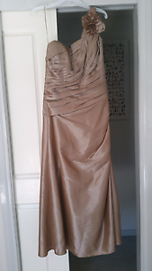 Formal dress Amaroo Gungahlin Area Preview