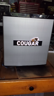 35L Electric Cougar Bar Fridge.