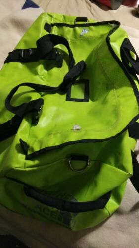 The North Face Base camp Duffel Travel Suitcase Large Bag 95 L Green Black