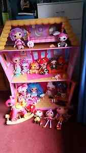 Lalaloopsy Sew Magical Doll House and Extras Mannering Park Wyong Area Preview