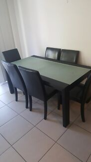 Dining room table and chairs  Gumdale Brisbane South East Preview