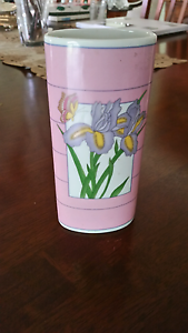 PINK VASE FEATURING 2IRIS FLOWERS AND SMALL BUTTERFLY Waterford West Logan Area Preview
