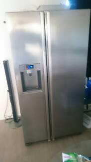 Fridge freezer side by side 690 litre