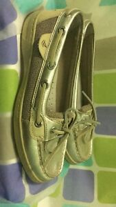 Sperry boat shoes size 6.   $20
