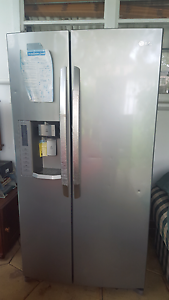 Good 2 door LG fridge rarely used Campsie Canterbury Area Preview