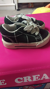 Baby gap kids/ toddler shoes size 4 Truganina Melton Area Preview