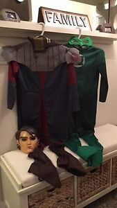 Costumes size 8/10