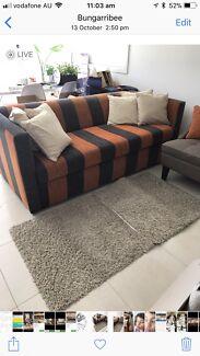 Quick sale lounge