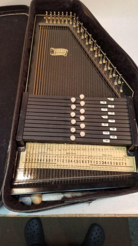 Great Condition!! Vintage Oscar Schmidt Autoharp - 36 String