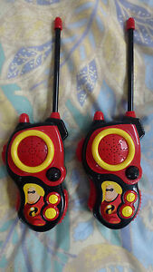 TOY WALKIE TALKIE FROM THE INCREDIBLES DISNEY FILM NEW WITH OUT ORIGINAL BOX