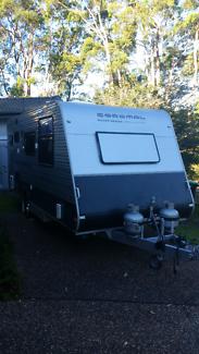 Coromal 542S Element Caravan 18' Charlestown Lake Macquarie Area Preview