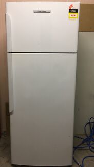Fisher and Paykel 420 Litre Fridge/Freezer