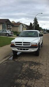 2000 Dodge Dakota 4x4, 83,600km $4,000