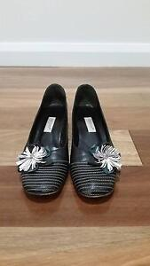 WOMENS STYLISH LEATHER SHOES - SIZE 7 Carlton Melbourne City Preview