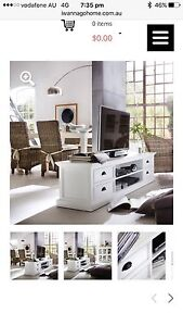 Hampton style tv unit Putney Ryde Area Preview