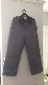 Snow pant size large/ for teens