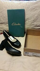 BRAND NEW- WOMANS CLARKS