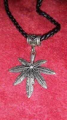 Usado, Cannabis Leaf Pendant Weed Necklace segunda mano  Embacar hacia Mexico