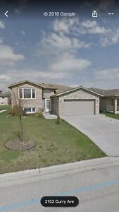 5 bedroom house for rent in south windsor!!