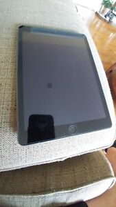 Ipad 5th Generation 32 GB WiFi plus Cellular