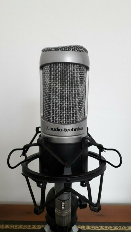 Audio Technica AT3035 microphone + Shock Mount + Pop Filter + 2Metre XLR cable