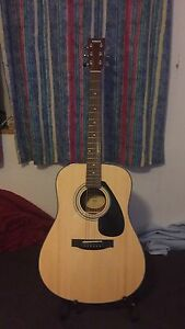 Yamaha F325D Dreadnaught Acoustic (with case)