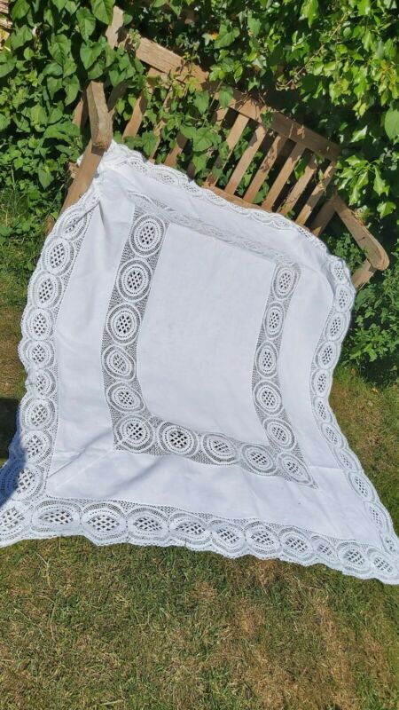 """VINTAGE LACE LINEN WHITE TABLECLOTH SHABBY CHIC SUMMER DINING 68X56"""""""