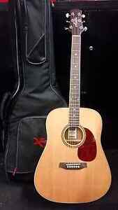Acoustic  guitar right hand with bag Brunswick Moreland Area Preview