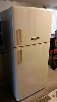 NEC 516L Fridge / freezer.