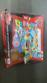 Lightning McQueen floor puzzle and game