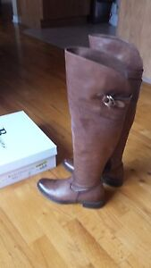 $330 BROWNS TALL BROWN BOOTS SIZE 36/BOTTES CHEZ BROWNS