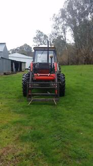 For Sale: Zetor 8045 Tractor with Burder FEL Markwood Wangaratta Area Preview